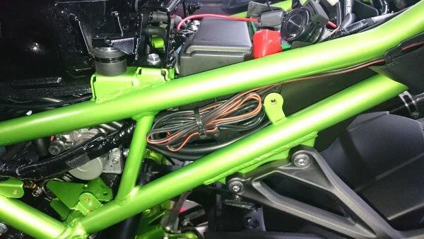 Kawasaki Z900 2018 - Kabelverlegung.jpg