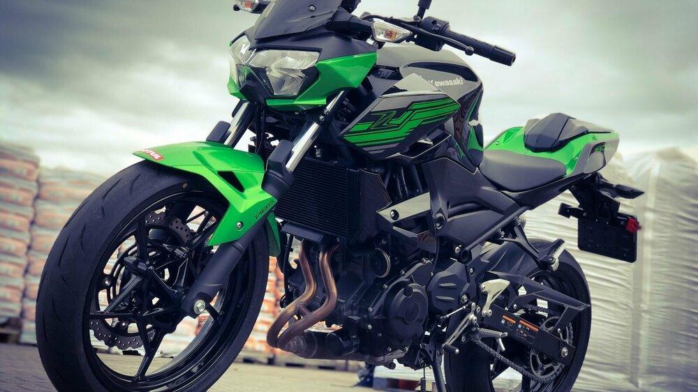 Kawasaki-Z400-Performance-2019-39-1600x900.jpg