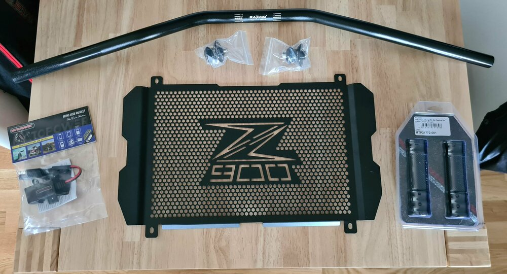 Z900-Teile.jpg