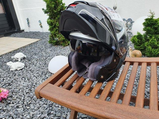 Helm 1w.jpg