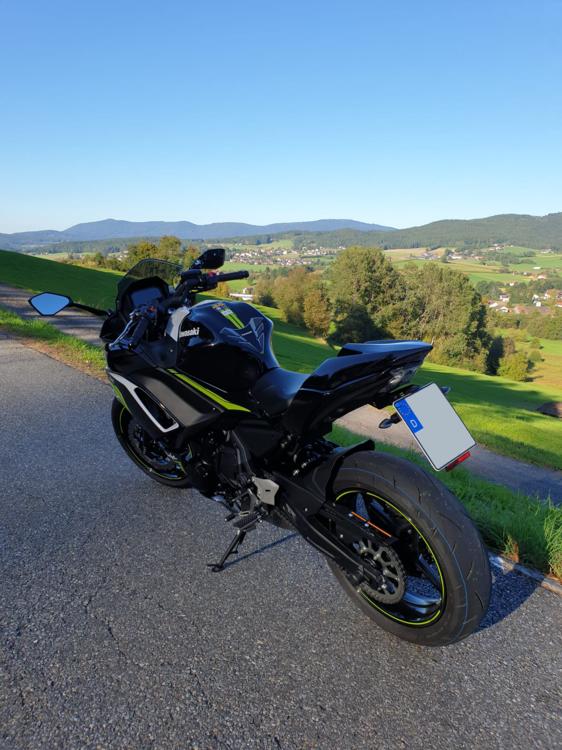 Motorrad-Kennzeichen.thumb.png.f3243a5dca06be444ec020e705d42c81.png